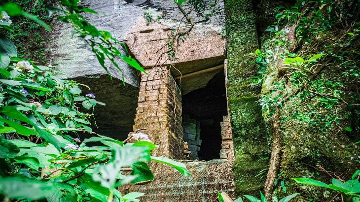 【千葉県】【秘境】吹抜洞窟~裏鋸山に潜む「遺跡」
