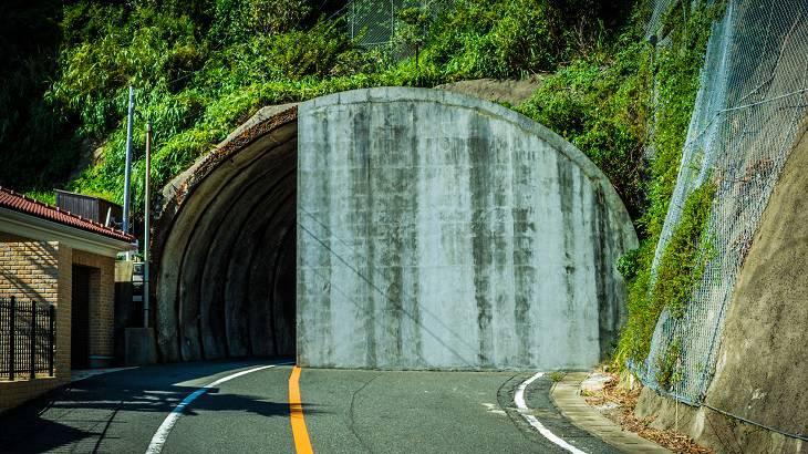 【千葉県】【隧道】半分以上蓋をされているが通行可能な「私有地」トンネル